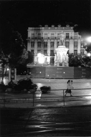 medium_13_Lisbonne-Baixa-juin_1990-photographie_Georges_Dussaud.jpg